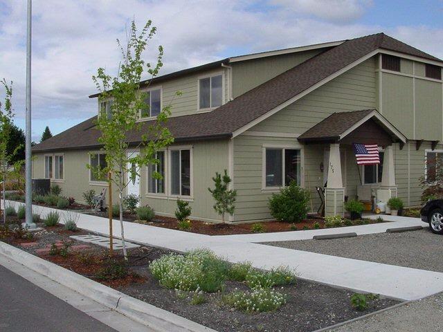 175 Mellecker Way, Medford, OR 97501 (#2983669) :: Rocket Home Finder
