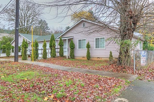 101-117 First Street, Glendale, OR 97442 (#2983754) :: FORD REAL ESTATE