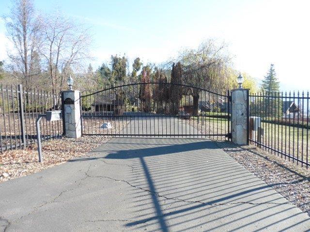 6350 Hillcrest Road, Medford, OR 97504 (#2984220) :: Rocket Home Finder