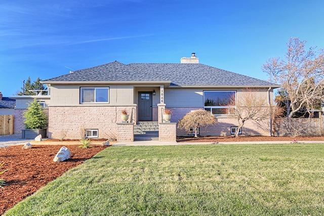 1066 Diamond Street, Medford, OR 97501 (#2986731) :: Rocket Home Finder