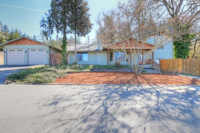 1217 SE Allenwood Drive, Grants Pass, OR 97527 (#2987555) :: FORD REAL ESTATE