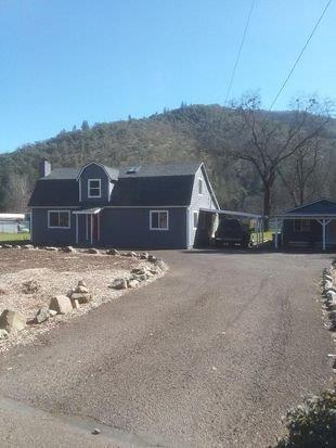 1235 Rogue River Hwy, Gold Hill, OR 97525 (#2989176) :: Rocket Home Finder