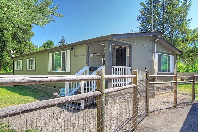111 Savage Creek Road, Grants Pass, OR 97527 (#2989787) :: Rocket Home Finder