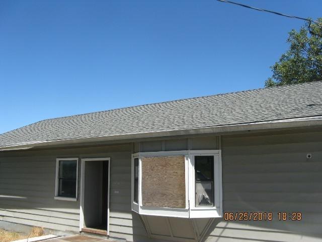 233 Barton Road, Eagle Point, OR 97524 (#2992137) :: Rocket Home Finder