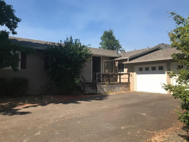 249 Shadowbrook Drive, Cave Junction, OR 97523 (#2992163) :: FORD REAL ESTATE