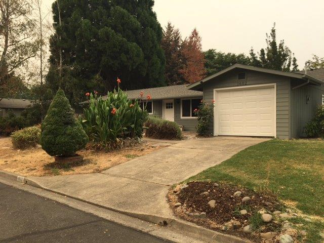 1602 SW Heather Drive, Grants Pass, OR 97526 (#2993109) :: Rocket Home Finder