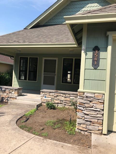 3541 Village Drive, Medford, OR 97504 (#2994342) :: Rocket Home Finder
