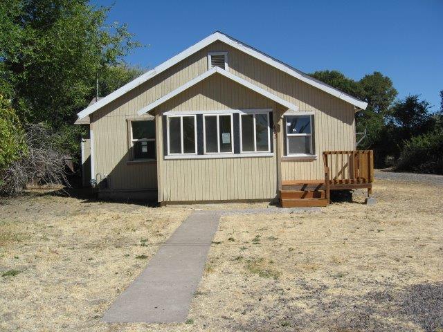1423 Dayton Street, Klamath Falls, OR 97603 (#2994473) :: Rocket Home Finder