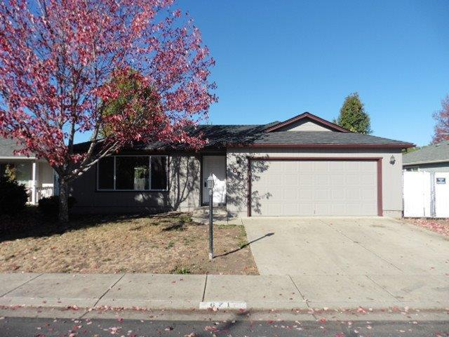 671 Andrea Way, Eagle Point, OR 97524 (#2995721) :: FORD REAL ESTATE