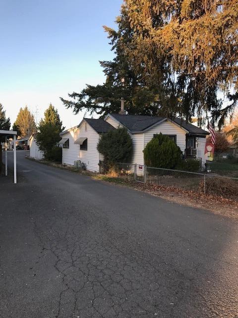 123-125 Elk Street, Medford, OR 97501 (#2996020) :: Rocket Home Finder