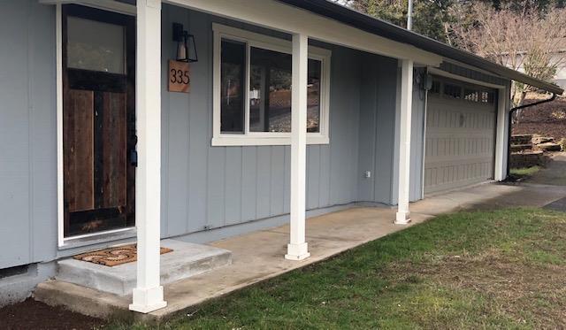 335 Gold Terrace, Jacksonville, OR 97530 (#2998355) :: Rutledge Property Group