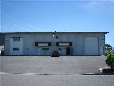 6026 Crater Lake Highway, Medford, OR 97502 (#3008609) :: FORD REAL ESTATE