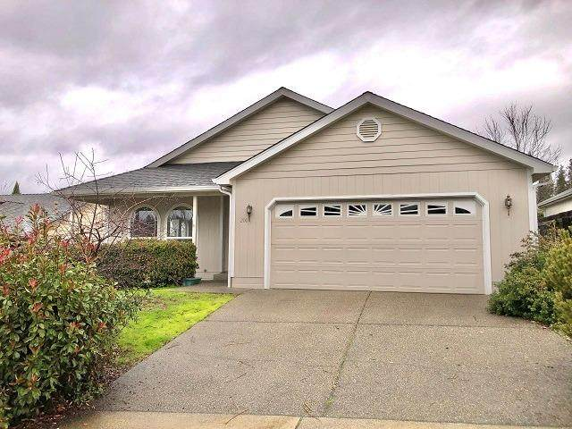 200 Independence Drive, Grants Pass, OR 97527 (#3010564) :: FORD REAL ESTATE
