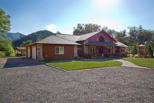 8951 North Applegate Road, Grants Pass, OR 97527 (#3011545) :: FORD REAL ESTATE