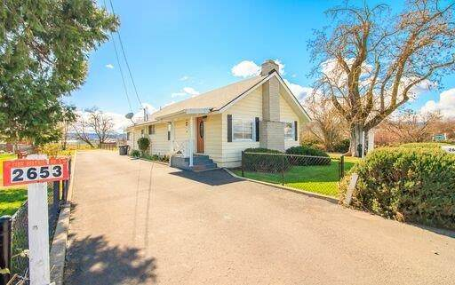 2653 Scenic Avenue, Central Point, OR 97502 (#3011723) :: FORD REAL ESTATE