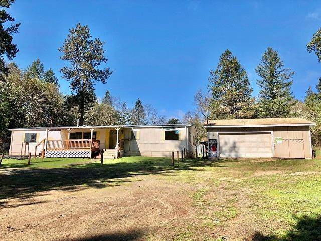 13115 Perry Road, Central Point, OR 97502 (#3012157) :: FORD REAL ESTATE