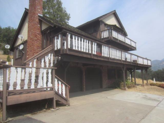 2450 Foots Creek Road, Gold Hill, OR 97525 (#2982192) :: Rocket Home Finder