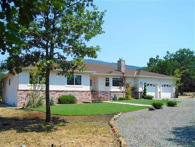 160 Lloyd Drive, Grants Pass, OR 97526 (#2983271) :: Rocket Home Finder