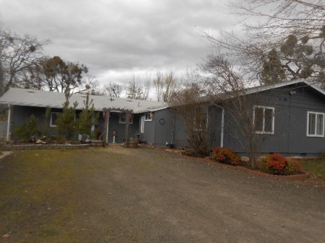 15600 Jones Road, White City, OR 97503 (#2986761) :: Rocket Home Finder