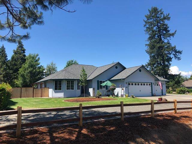 141 Green Acres Drive, Merlin, OR 97532 (#2990852) :: FORD REAL ESTATE
