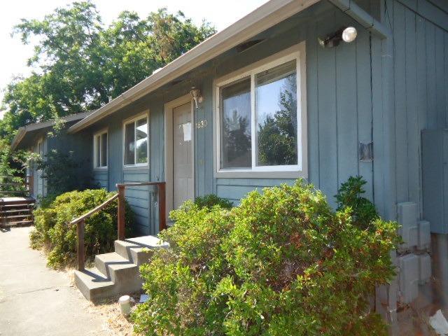 1828-1834 NE D Street NE, Grants Pass, OR 97526 (#2992072) :: Rocket Home Finder