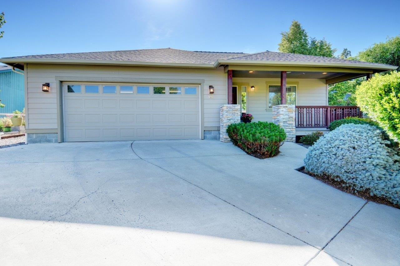 992 Spring Way Ashland, OR 97520