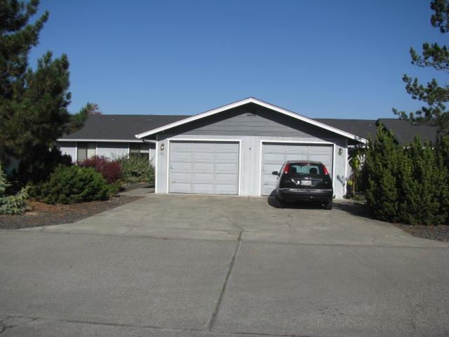 1295 Willow Lane, Grants Pass, OR 97528 (#2996054) :: Rocket Home Finder