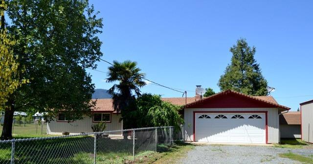 920 Meadow View Drive, Williams, OR 97544 (#2989574) :: Rocket Home Finder