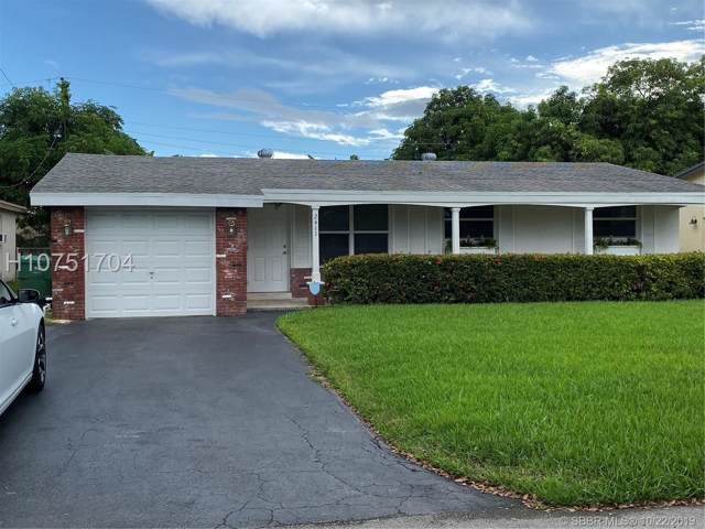 2411 Riviera Dr, Miramar, FL 33023 (MLS #H10751704) :: RE/MAX Presidential Real Estate Group