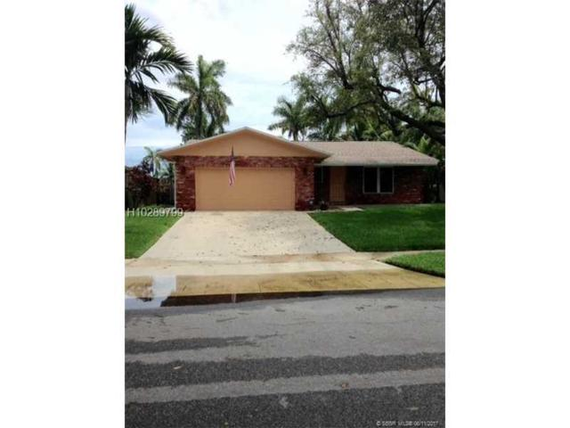 642 NE 2nd Pl, Dania Beach, FL 33004 (MLS #H10289799) :: Green Realty Properties