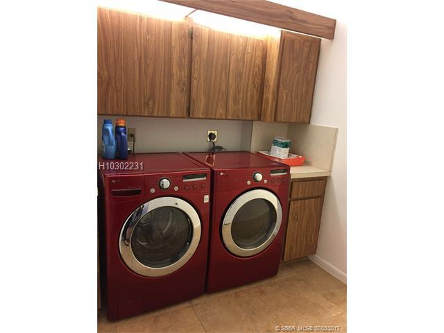 1518 Whitehall Dr #102, Davie, FL 33324 (MLS #H10302231) :: Green Realty Properties