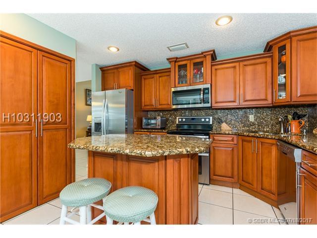 1088 104th Way, Pembroke Pines, FL 33025 (MLS #H10311903) :: RE/MAX Presidential Real Estate Group