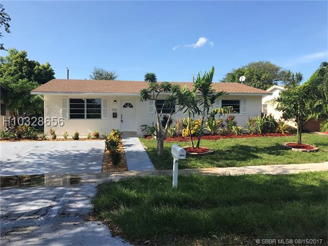 7131 Charleston St, Hollywood, FL 33024 (MLS #H10328656) :: RE/MAX Presidential Real Estate Group
