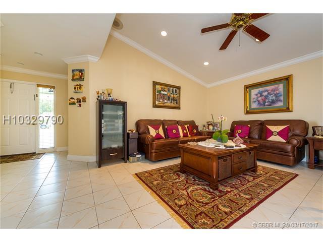 1720 85th Ter, Miramar, FL 33025 (MLS #H10329790) :: RE/MAX Presidential Real Estate Group