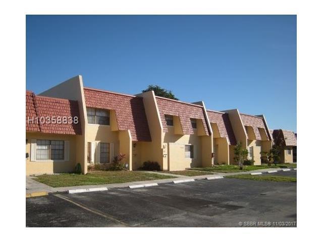 57 Spinning Wheel Lane, Tamarac, FL 33319 (MLS #H10358838) :: RE/MAX Presidential Real Estate Group