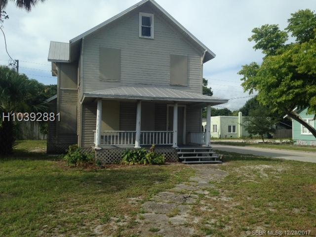 1219 Delaware Avenue, Fort Pierce, FL 34950 (MLS #H10392881) :: Green Realty Properties