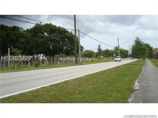 4450 95th Ave, Davie, FL 33328 (MLS #H10403909) :: Green Realty Properties