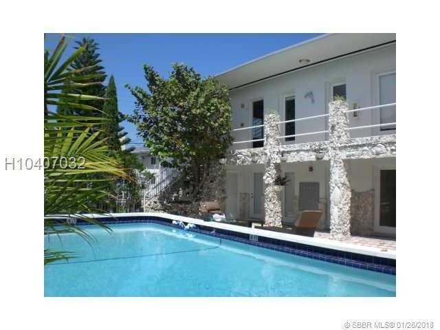 320 85th St, Miami Beach, FL 33141 (MLS #H10407032) :: Green Realty Properties