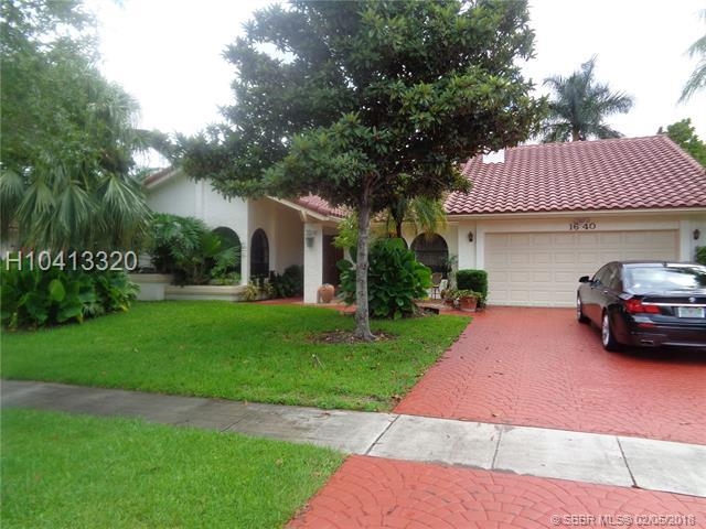 1640 101st Way, Plantation, FL 33322 (MLS #H10413320) :: Green Realty Properties