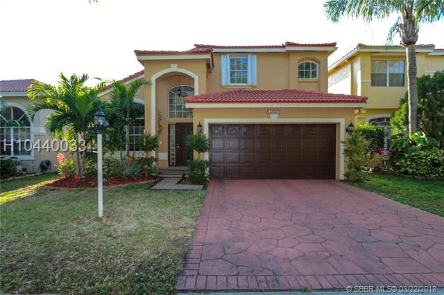 2520 Cardamon Ave, Cooper City, FL 33026 (MLS #H10440033) :: RE/MAX Presidential Real Estate Group