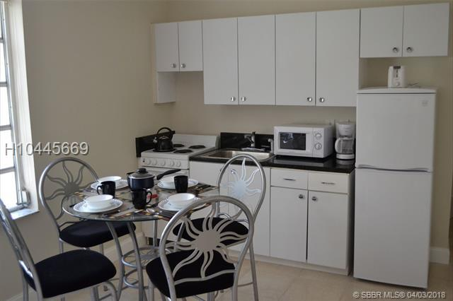 3025 Indian Creek Dr #202, Miami Beach, FL 33140 (MLS #H10445669) :: Green Realty Properties