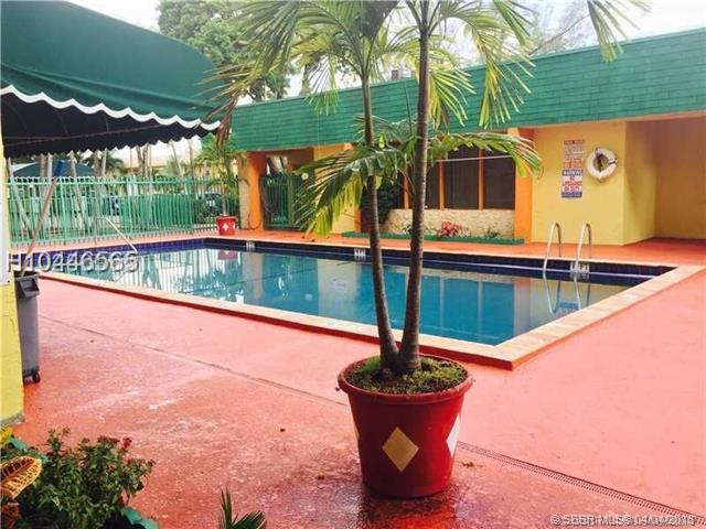 606 81st St #322, Hialeah, FL 33014 (MLS #H10446565) :: Green Realty Properties