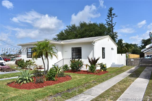 2657 Johnson St, Hollywood, FL 33020 (MLS #H10448271) :: Green Realty Properties