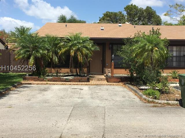 10291 Oleander Ct, Pembroke Pines, FL 33026 (MLS #H10452256) :: Green Realty Properties