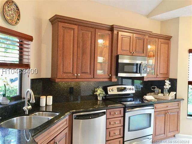 22653 Meridiana Dr #0, Boca Raton, FL 33433 (MLS #H10463400) :: Green Realty Properties