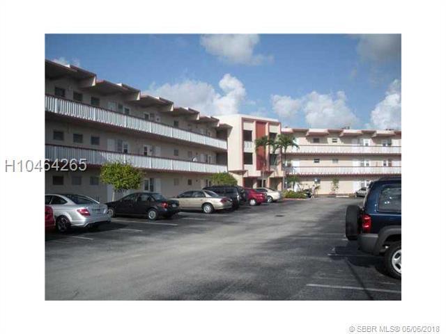 2309 Park Ln #107, Hollywood, FL 33021 (MLS #H10464265) :: Green Realty Properties