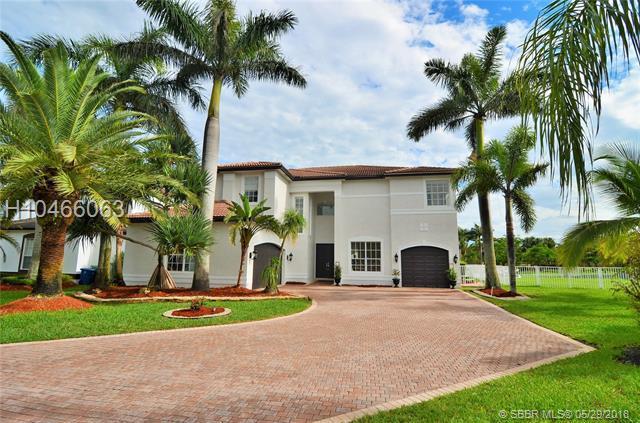 18503 49th St, Miramar, FL 33029 (MLS #H10466063) :: Green Realty Properties