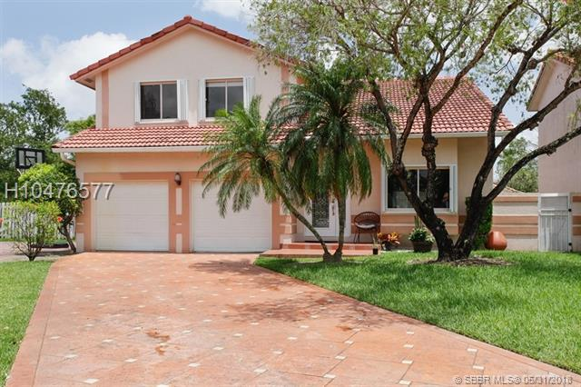 6107 183rd Ln, Hialeah, FL 33015 (MLS #H10476577) :: Green Realty Properties