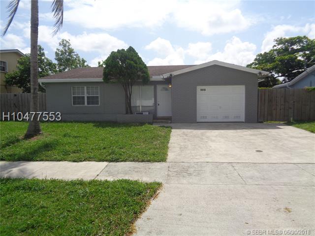 5610 57th Way, Tamarac, FL 33319 (MLS #H10477553) :: Green Realty Properties