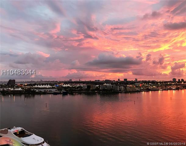 335 Biscayne Blvd #1904, Miami, FL 33131 (MLS #H10483044) :: Green Realty Properties